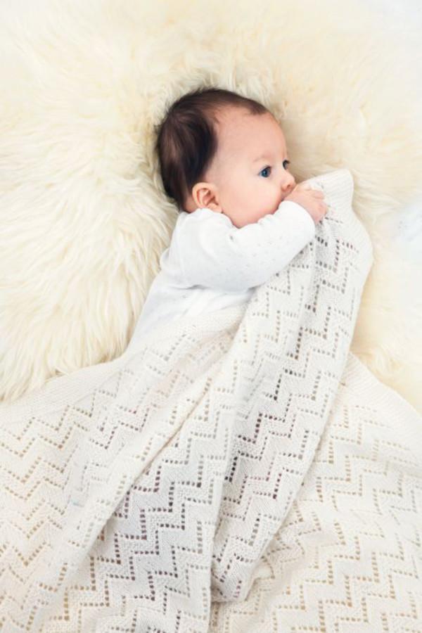 Neuleohje Vauvan peitto