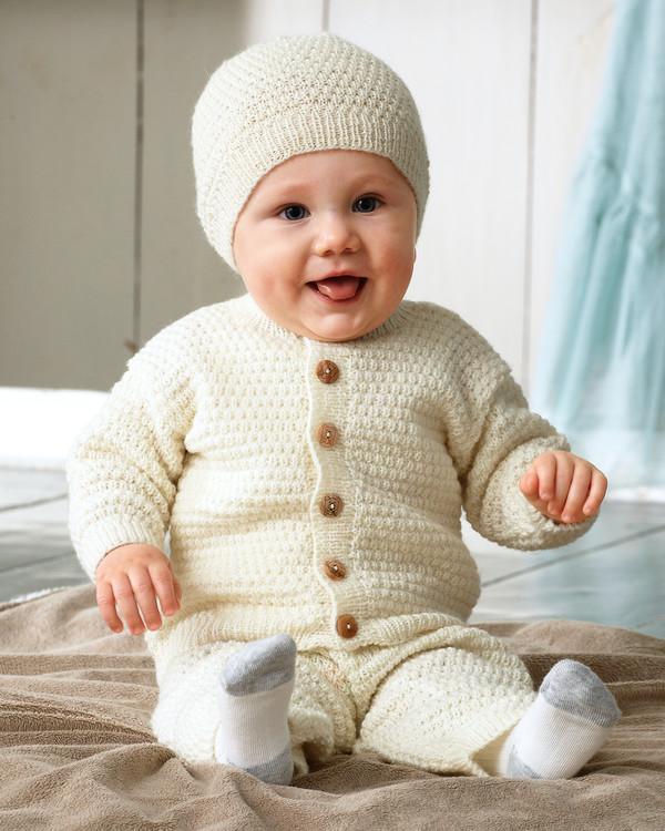 Babytrøje, bukser og hue