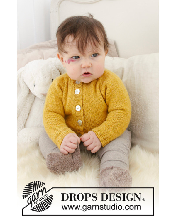 Babyjakke med raglan og sokker
