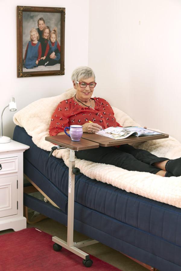 Sängbord- rullande