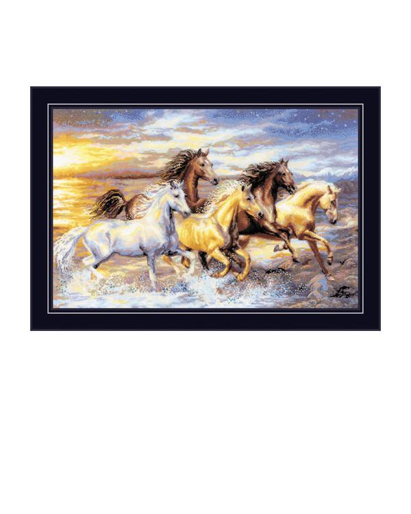 Broderipakke Bilde Hester i solnedgang