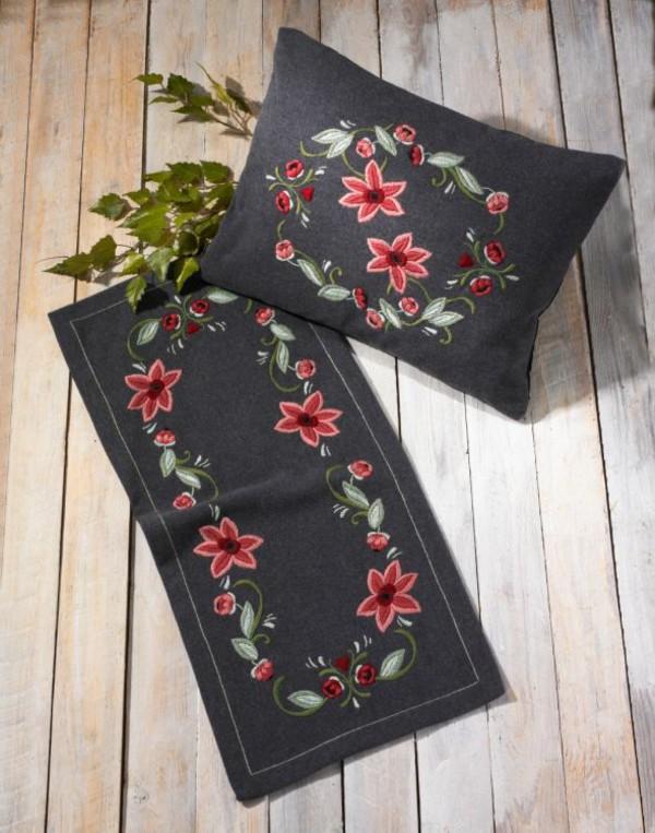 Kaitaliina Roosanväriset kukat