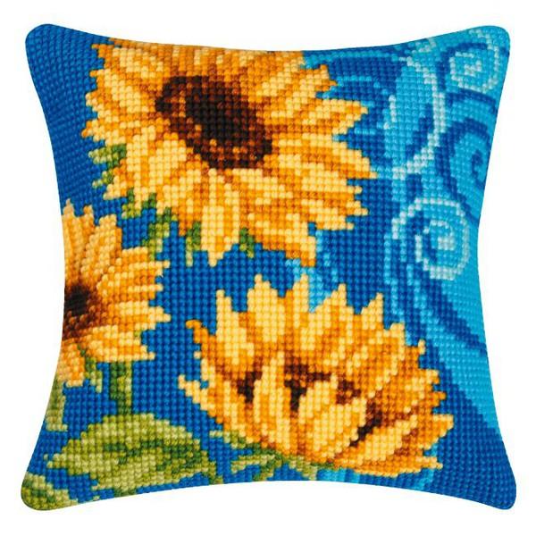 Tyynynpäällinen Auringonkukat sinisellä