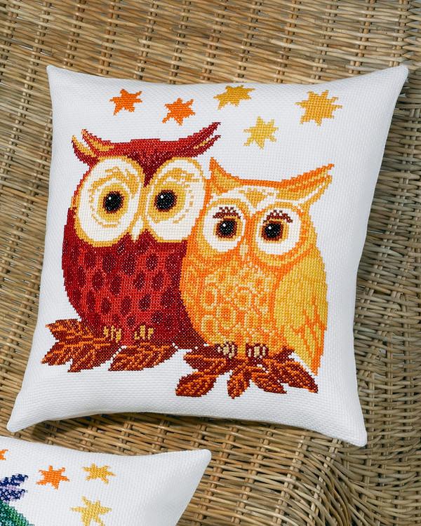 Tyynynpäälliset Punainen ja keltainen pöllö