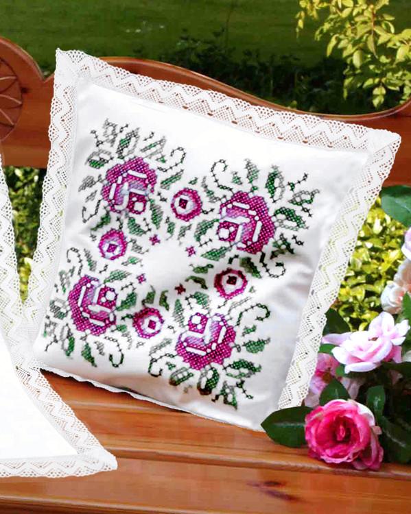 Tyynynpäällinen Klassiset ruusut lankoineen tai ilman lankoja