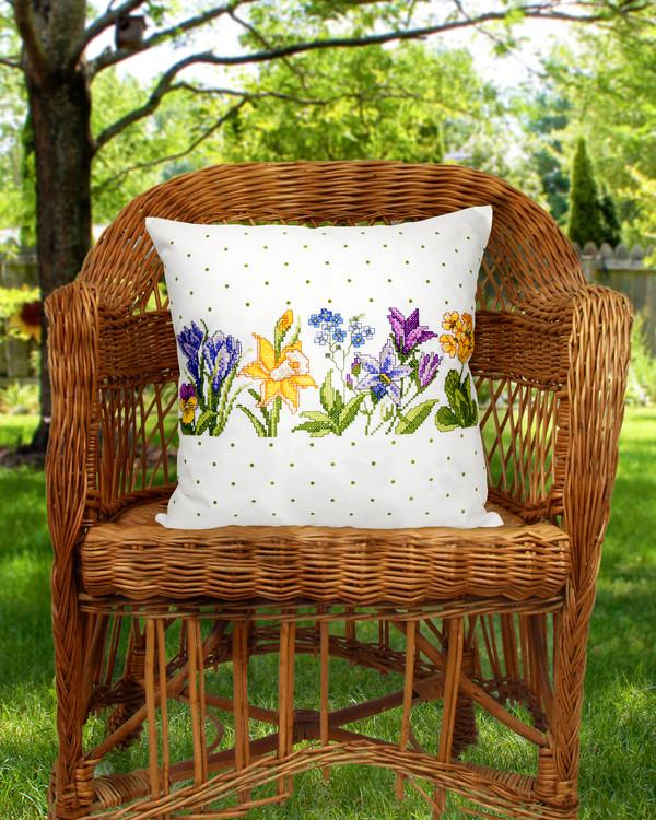 Tyynynpäällinen Kevät