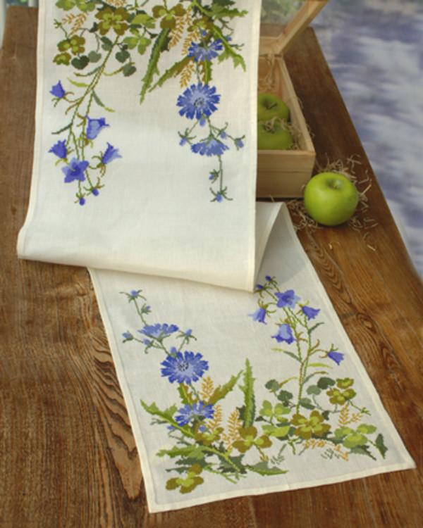 Broderikit Löpare Blå blomster aida