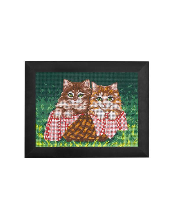Kanavatyö Suloiset kissat lankoineen tai ilman lankoja