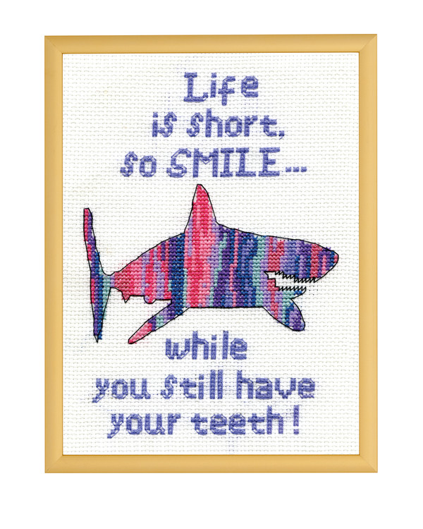 Broderikit Tavla Smile shark