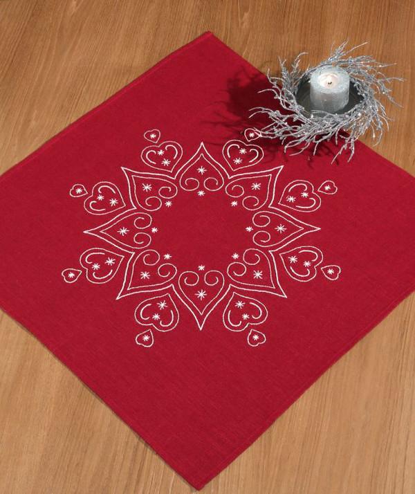 Deckchen mit Silberfäden