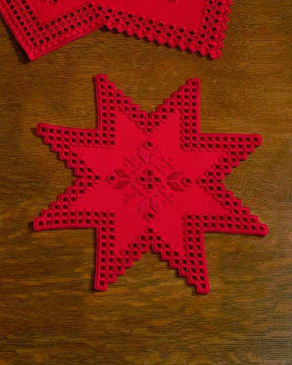 Hardangerduk Stjärna röd