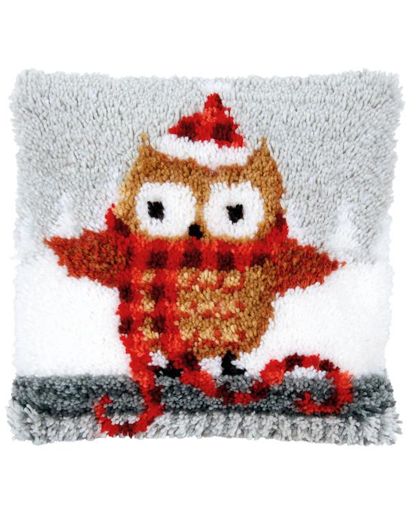 Ryijytyyny Pöllö jouluasussa