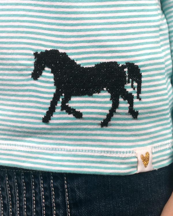Broderi Travende hest