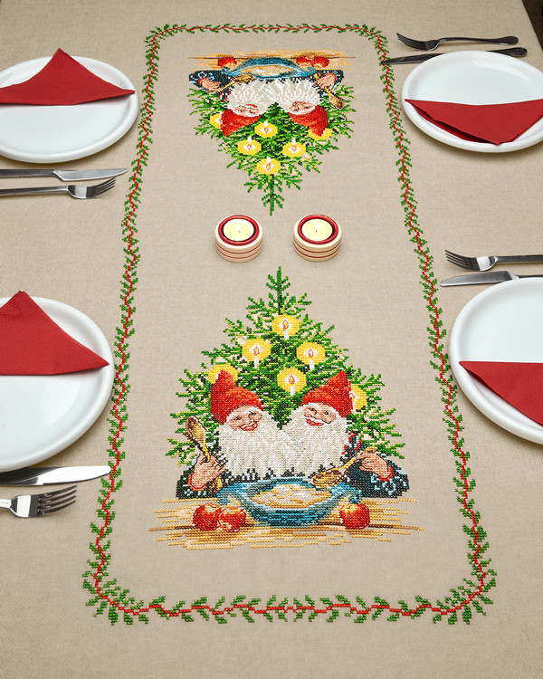 Broderikit Middagsduk Julegröten