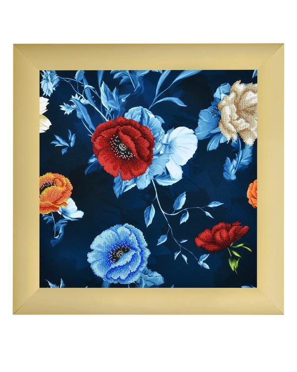 Helmikirjomus Kukat sinisellä pohjalla